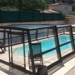 Tous les avantages de la couverture de la piscine pour un jardin plus agréable